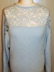 Weicher Pullover in hellblau von