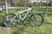 TREK SCRATCH L Rock Shox