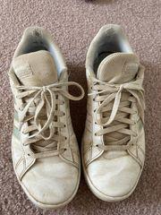Getragene Sneaker - Fetisch