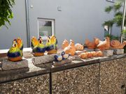 Set Gartentonfiguren auf Granitstein