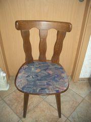 4 Wohnzimmer Holz Stühle