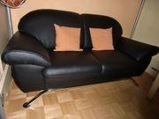 Neuwertiges modernes 2sitzer Sofa aus