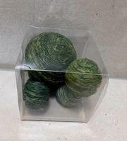 Grüner Kugelmix zum dekorieren basteln