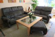 Couch-Garnitur mit Tisch