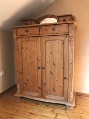 Holzschrank 156 cm Vertiko