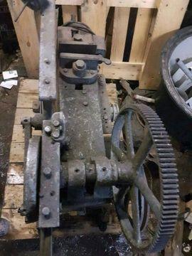 Werkzeuge - Bügelsäge Metallsäge Werkzeuge Werkstatt Standmotor