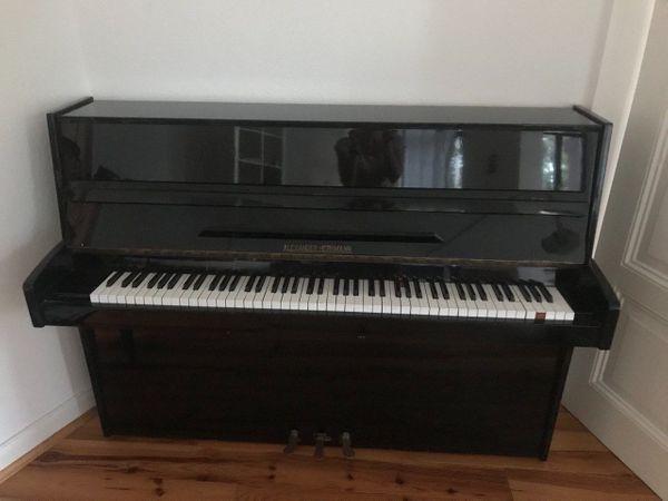 Klavier im Südviertel zu verkaufen