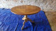 Ovaler alter Massivholztisch