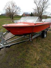 Motorboot mit Trailer und 60