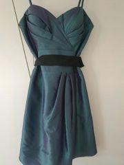 Schickes Kleid Größe 34