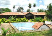 Doppel-Haus mit Pool und großem