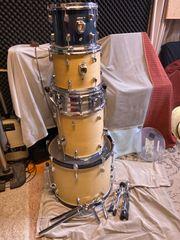 Pearl Schlagzeug zum herrichten Bastler