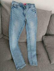Jeans in Größe 134 für
