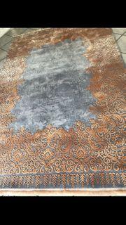 Großer teppich ganz neu