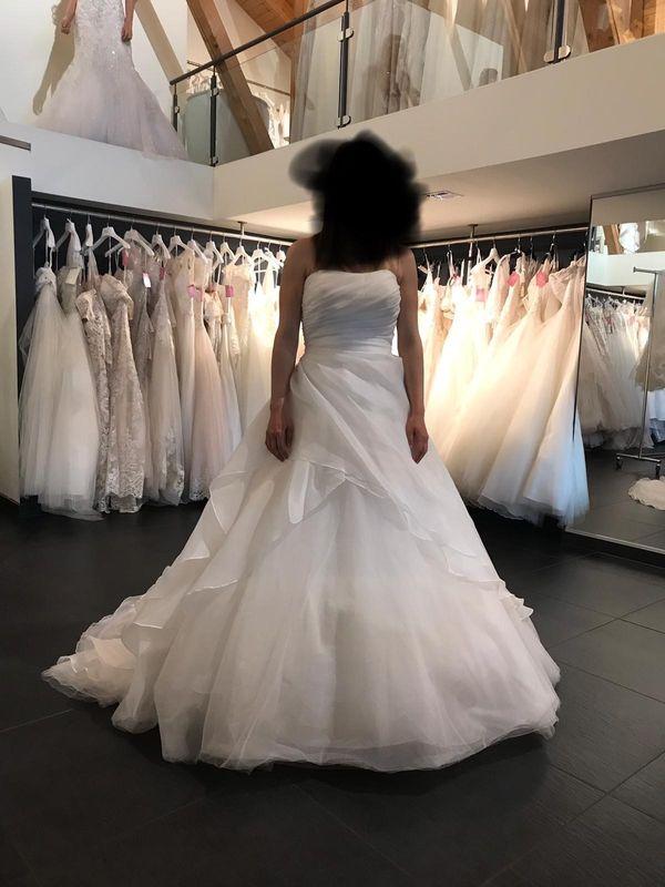 Biete hier mein Brautkleid