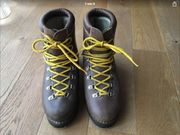 Schuhe Wanderstiefel Gr 40 schweizer