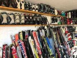 Schi, Schuhe, Snowboard