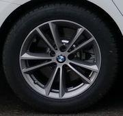 Neuwertige Winterreifen auf original BMW