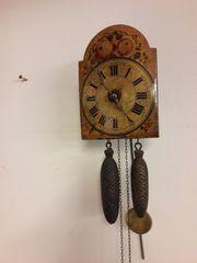 Schwarzwaldschild-Uhr klein antik ca 1900