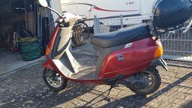 Roller Piaggio Vespa Kleinkraftrad bis: Kleinanzeigen aus Adelsdorf - Rubrik Piaggio, Vespa, APE Roller