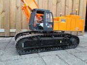 Hitachi RC Kettenbagger 870 Vario