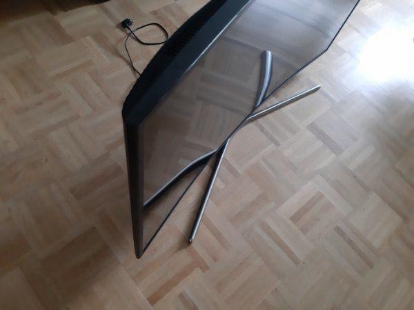 Samsung Curved LED-Fernseher mit 49