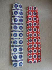 2 Vorhänge Rot und Blau