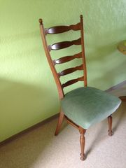 gepolsterte stilvolle Stühle