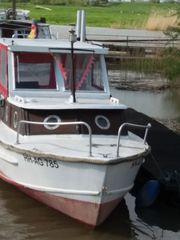 Motorboot - Kajütboot - mit Motor und