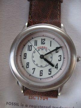 Fossil Armband-Uhr in OVP neu: Kleinanzeigen aus Birkenheide Feuerberg - Rubrik Uhren