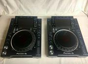 2 x Pioneer CDJ-2000 Nexus