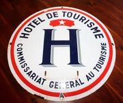 Emailschild Hotel de Tourisme