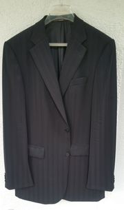 Schicker schwarzer Designer Anzug von