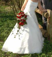 Hochzeitskleid Brautkleid mit Schleppe Demetrios