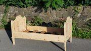 Bauernmöbel Holz Bett