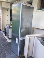 Einbaukühlschrank mit Gefrierschrank