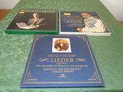 3 alte Schallplatten-Boxen mit D