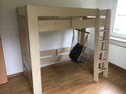 Jugend- Kinderzimmer Hochbett Kleiderschrank Tisch