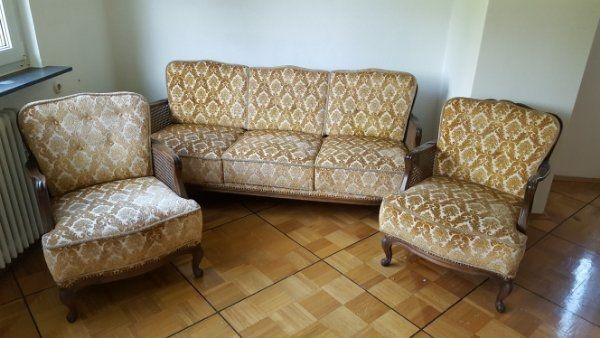Bequeme Couch mit 2 Sessel