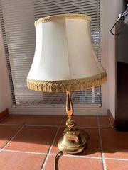 Retro Stehlampe goldig mit großem