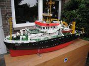 Forschungsschiff Atair sehr groß
