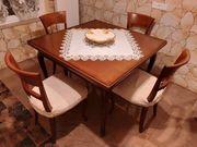Ausziehbarer Esstisch mit 4 Stühlen