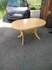 Schöner Tisch zum Vergrößern