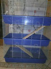 Geräumiger Kleintierkäfig über 3 Etagen