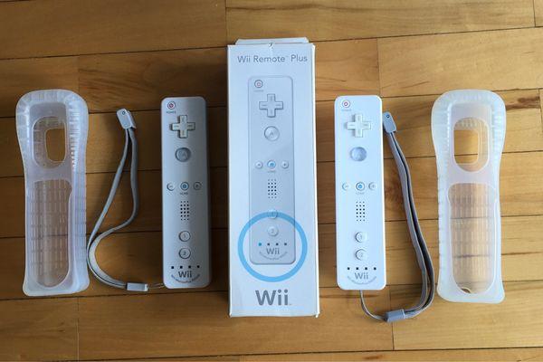 2 Original Nintendo Wii Wii