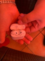 AirPods Generation 1