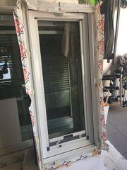 Gut erhaltene Roto-Dachflächenfenster Kunststoff weiß