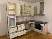 Einbauküche weiß mit Elekrogeräten