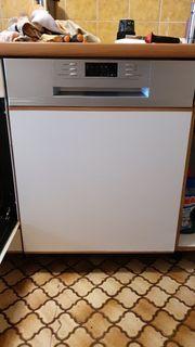 Spülmaschine 5x benutzt wie neu