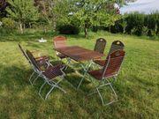 Hochwertige Gartenmöbelgarnitur aus Massivholz und